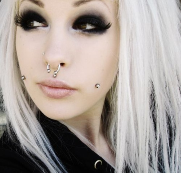 Cute Facial Piercings for Girls to Stand in VOUGUE0031