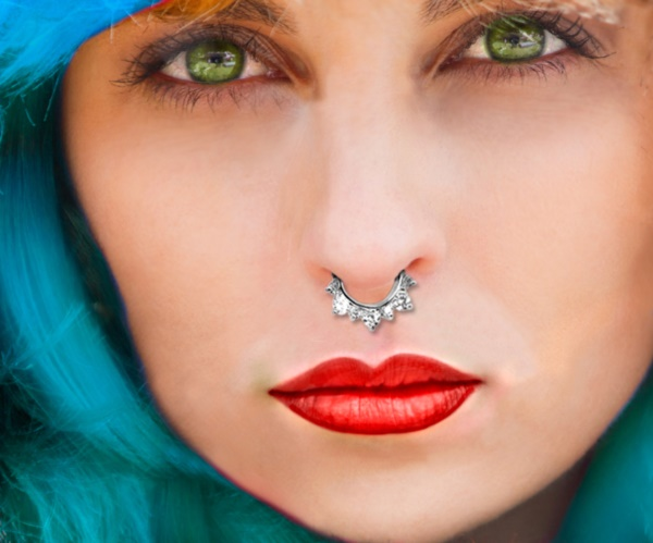 Cute Facial Piercings for Girls to Stand in VOUGUE0051