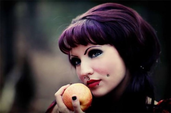 Cute Facial Piercings for Girls to Stand in VOUGUE0101