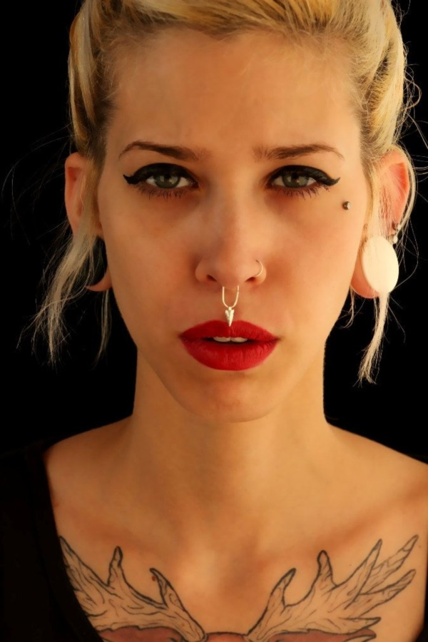 Cute Facial Piercings for Girls to Stand in VOUGUE0121