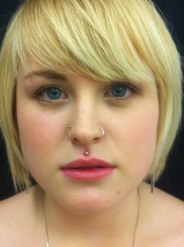 philtrum piercing (80)