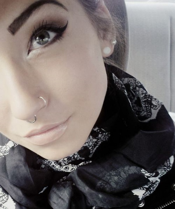 Double Nose Piercing (15)