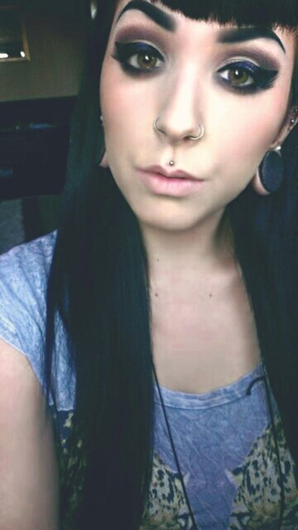 Double Nose Piercing (51)
