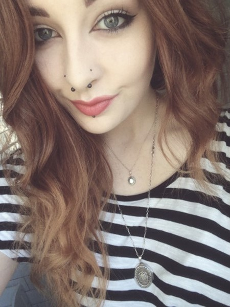 Double Nose Piercing (56)