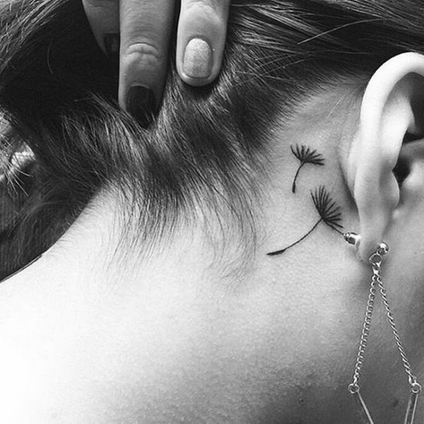 ear-tattoo-designs-ideas-15