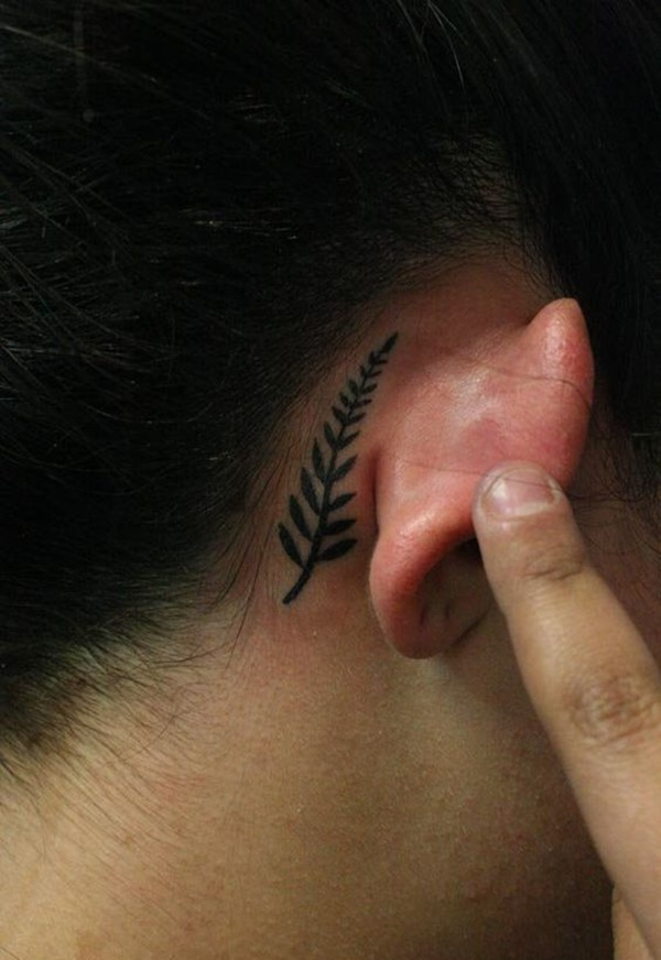 ear-tattoo-designs-ideas-40