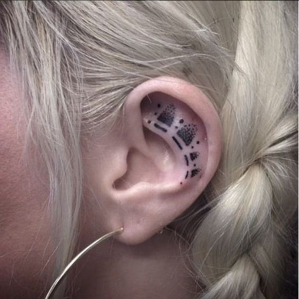 ear-tattoo-designs-ideas-46