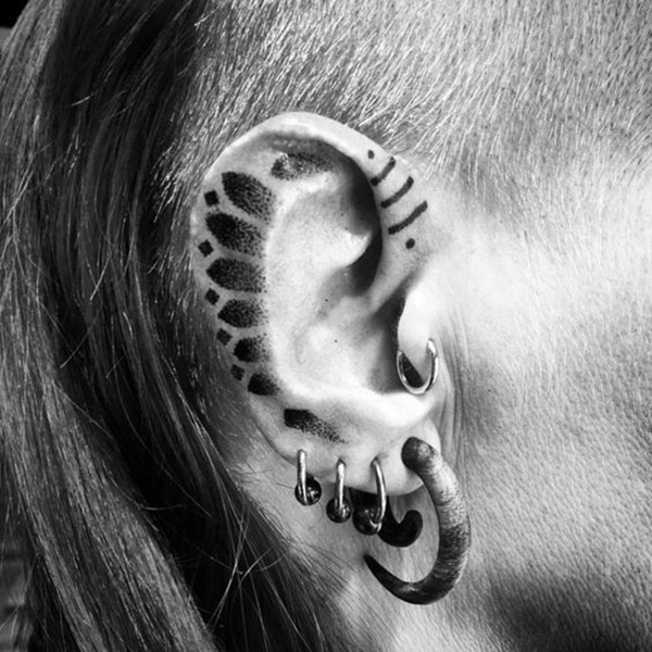 ear-tattoo-designs-ideas-54
