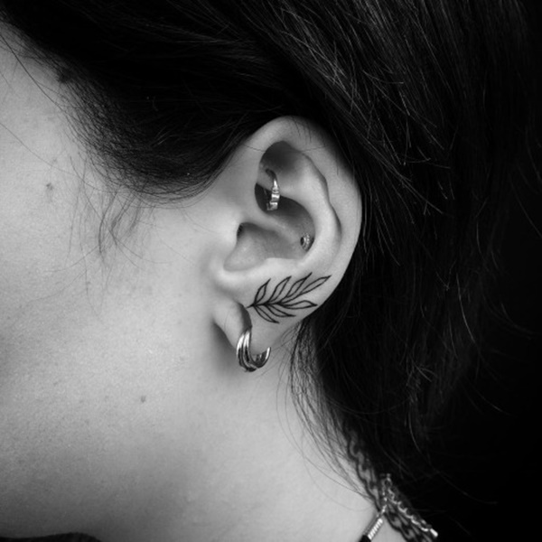 ear-tattoo-designs-ideas-89